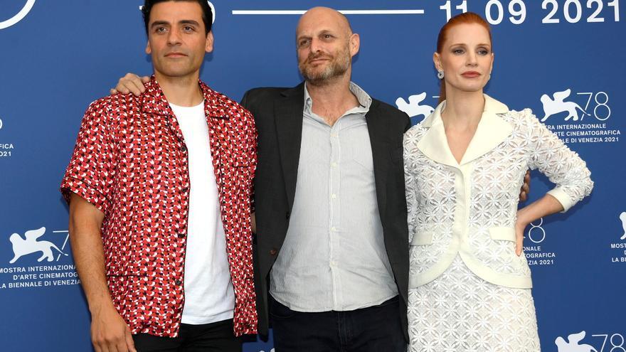 Oscar Isaac y Jessica Chastain le dan la vuelta a 'Secretos de un matrimonio'
