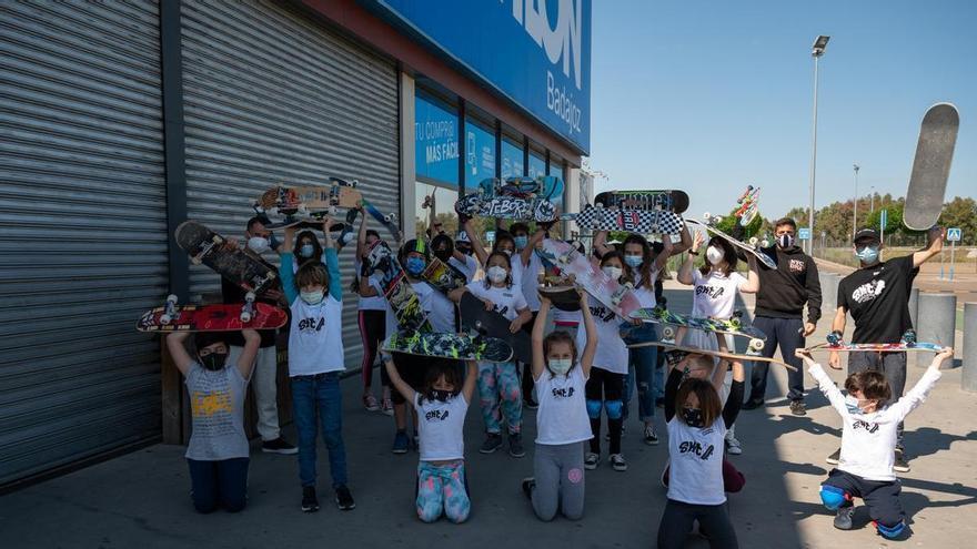 El Club Deportivo Skate Badajoz pide instalaciones para su deporte