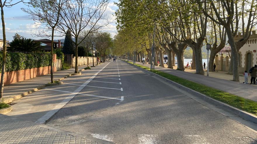 Banyoles restringeix la circulació de vehicles al front de l'Estany els caps de setmana i festius fins a finals d'any