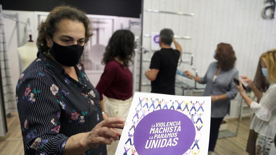 Los comercios de Montilla se convierten en nuevos 'Puntos Violeta'