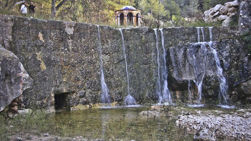Bombean el agua de El Molinar de Alcoy pese al buen nivel del acuífero