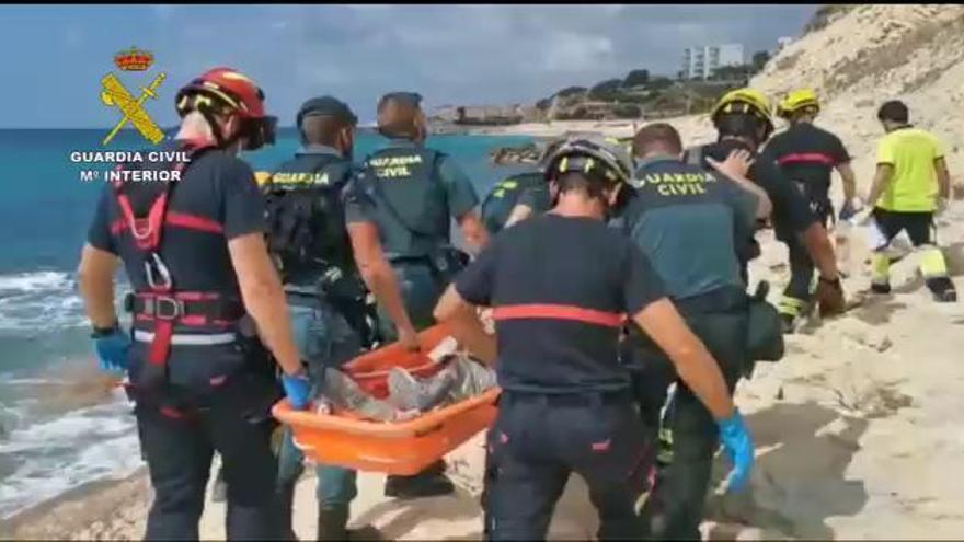 Rescatan en las rocas de un acantilado de La Vila a un hombre que llevaba un día desaparecido