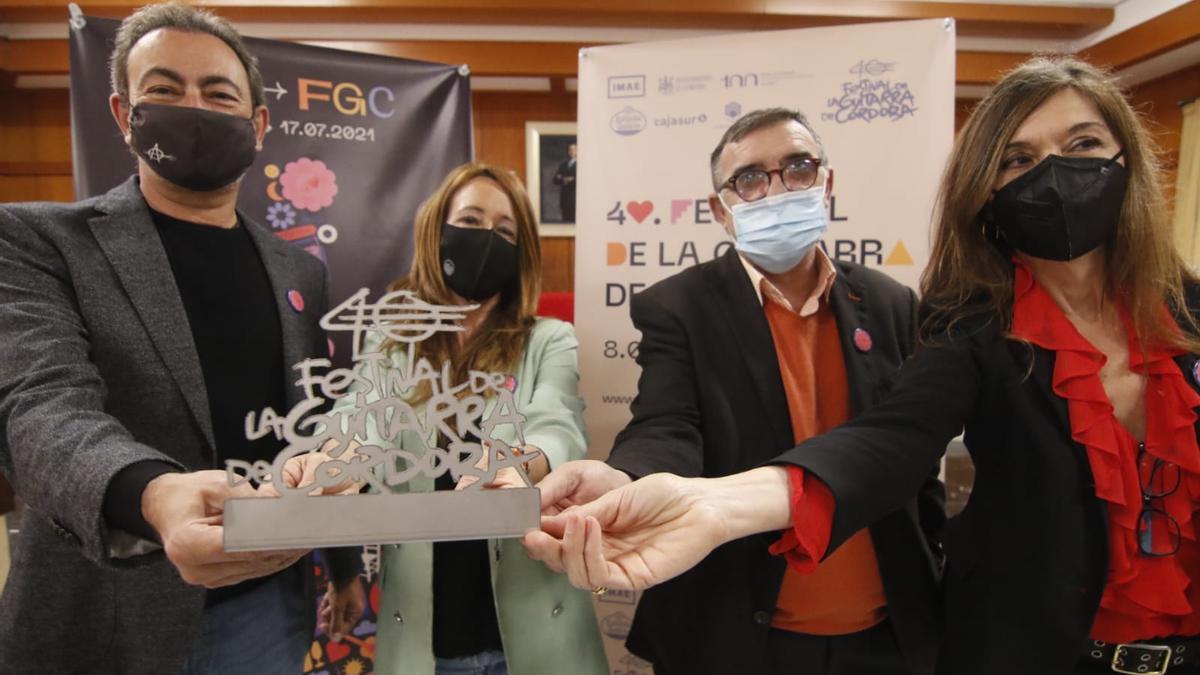 José Antonio Rodríguez, Marían Aguilar, Juan Carlos Limia y Ana Linares, en la presentación del  40º Festival de la Guitarra de Córdoba.