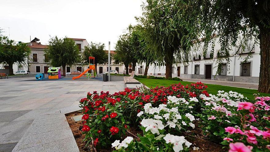 El Ayuntamiento de Pozoblanco finaliza la reforma de la popular plaza de la Asunción