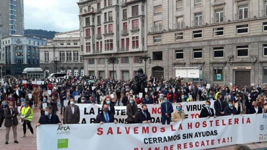 """VÍDEO: La hostelería clama por su futuro en Oviedo: """"Solo pedimos salir adelante"""""""