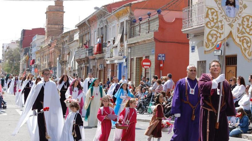 La Semana Santa Marinera concluye con un desfile único en España
