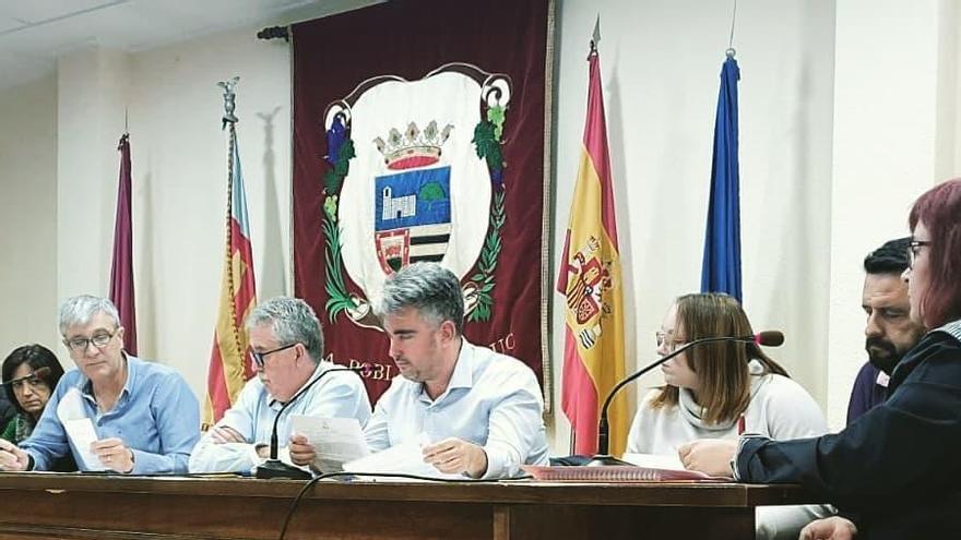 La Pobla del Duc aprueba por unanimidad una declaración en defensa del superávit municipal