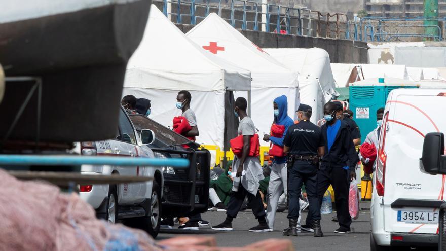 Canarias recibe en siete días 2.600 inmigrantes, tantos como en todo 2019