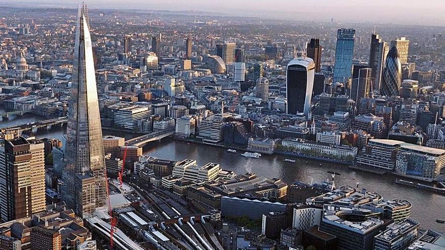 Un 'think tank' britànic crida a «donar la batalla» per la City davant la UE
