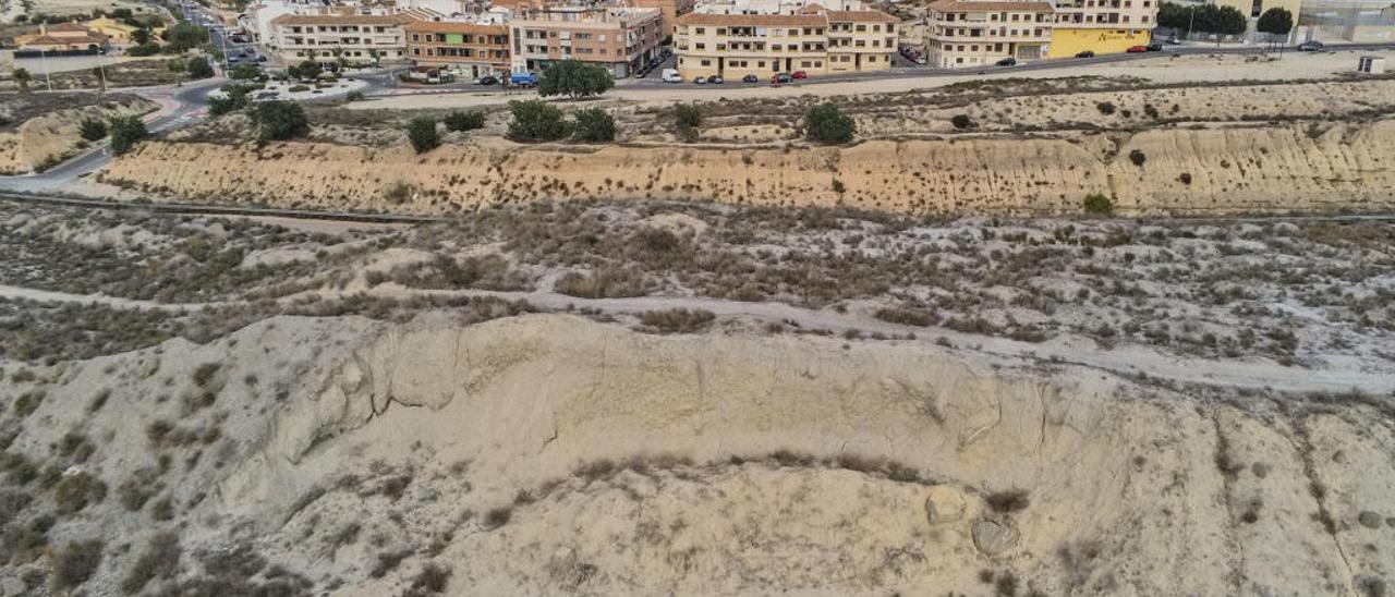 Industria reactiva el proyecto de una mina de yesos en la Vega Baja tras eliminar la zona protegida