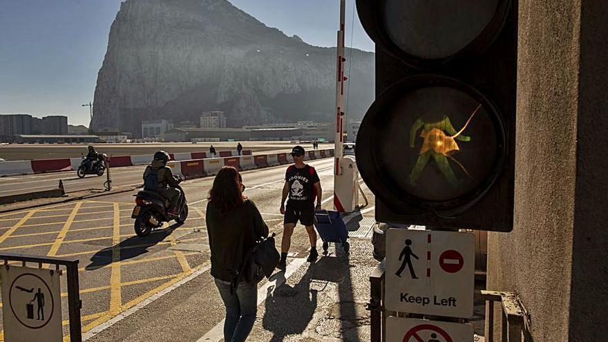 La CE demana negociar amb Londres la fi de «La Reixa» de Gibraltar