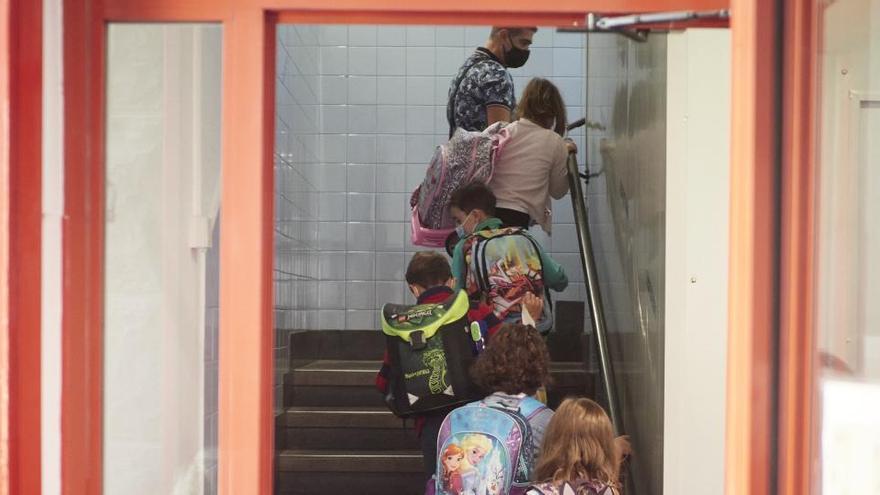 La vuelta a los colegios españoles arranca en Navarra entre dudas e incertidumbre