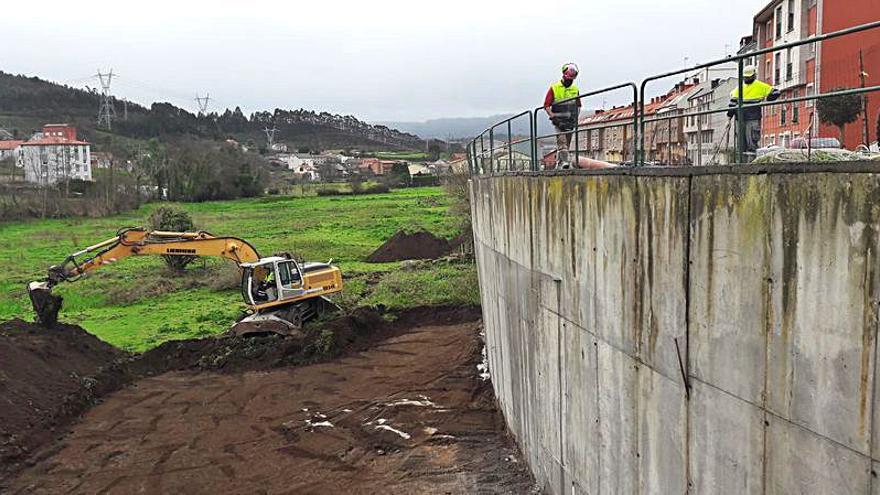 Arranca la obra para reparar el muro de la calle Maizales, cuya estructura cedió hace años