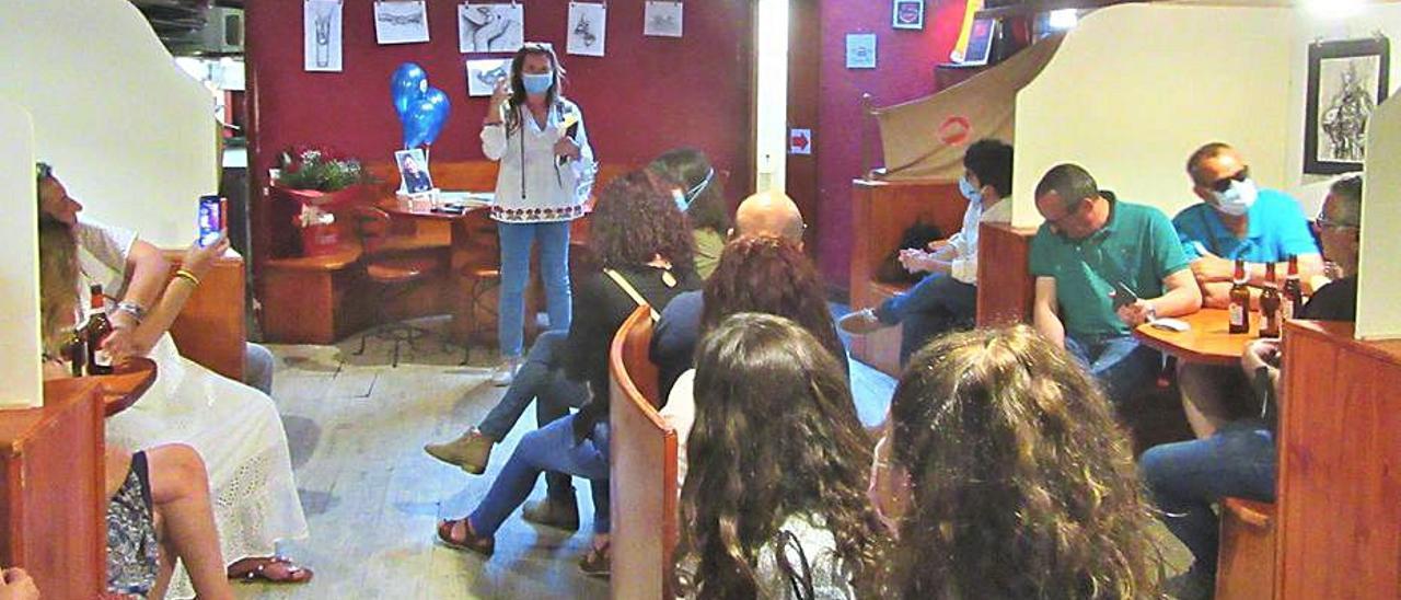 Rosa Serrata, durant la seua presentació. | V.R.S.