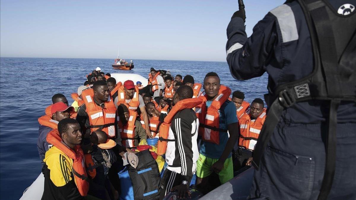 Un total de 45 migrantes pierden la vida en un naufragio tras partir de Libia