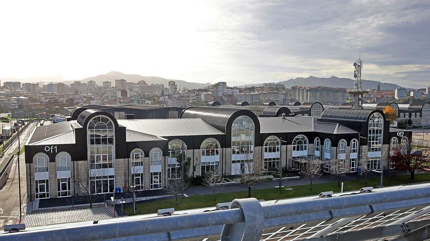 Zona Franca convertirá más de 30.000 m2 de cubiertas de nave en Bouzas en planta solar