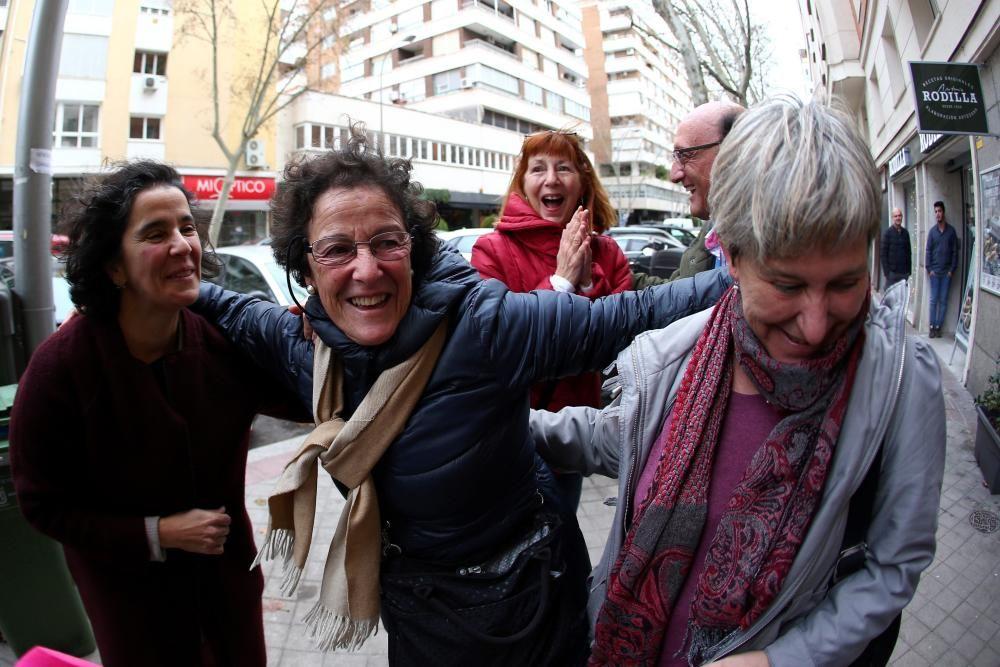 Agraciados con el segundo premio lo celebran en la administración número 31 de Madrid (Felix Boix, 4).