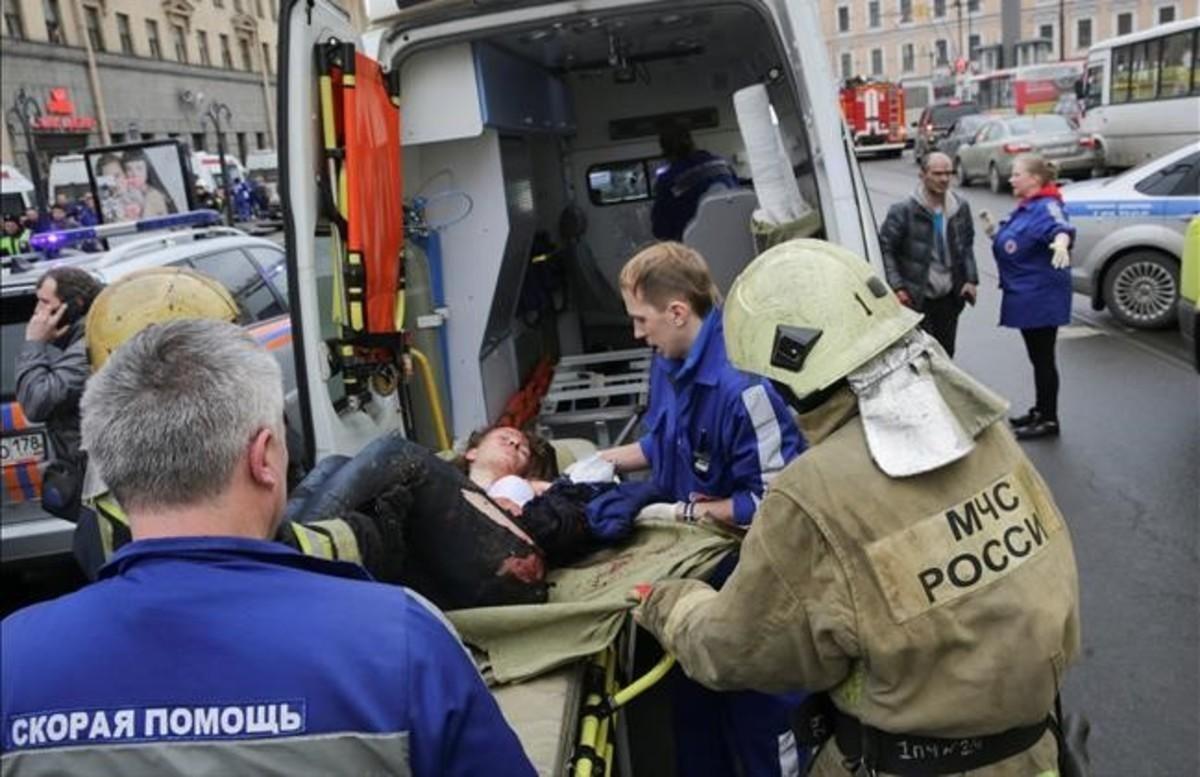 Las imágenes de la explosión en el metro de San Petersburgo