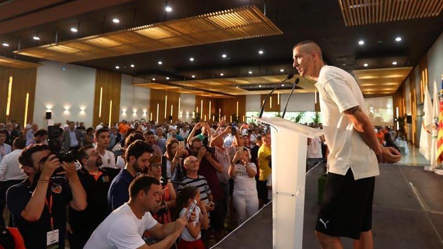 Los peñistas del Valencia piden a Marcelino la Liga de Campeones