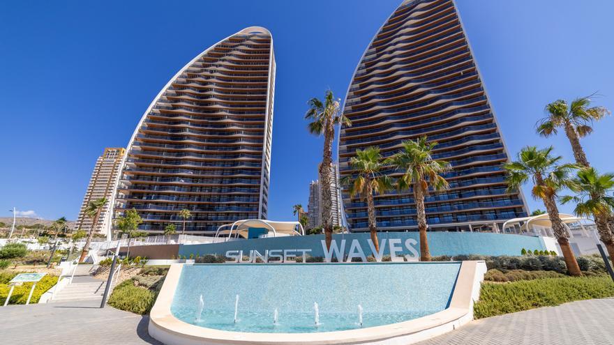 ¿Te gustaría vivir en unas vacaciones continuas? Sunset Waves lo hace posible