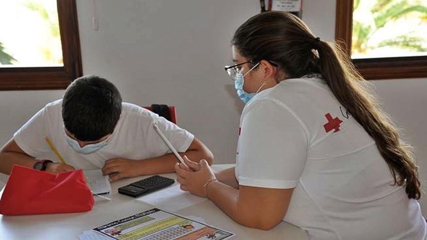 Cruz Roja da apoyo a 8.000 menores vulnerables en la provincia en este año