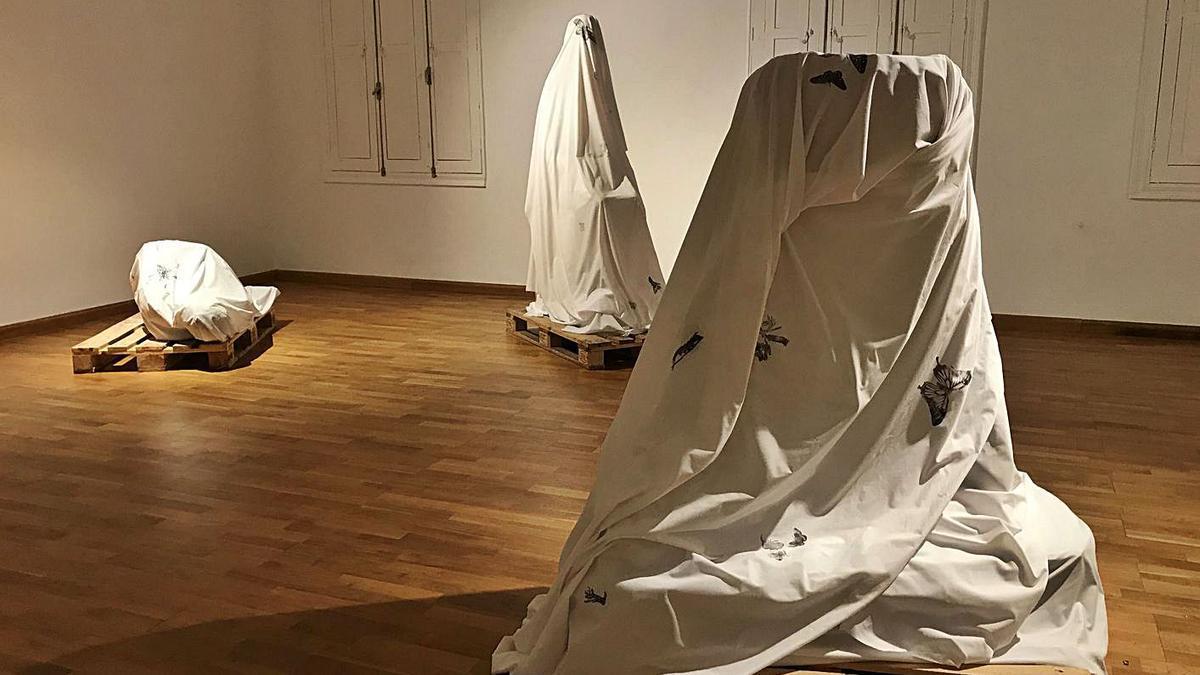 Otra imagen de la muestra de Néstor Delgado en el Museo Municipal de Bellas Artes de Santa Cruz de Tenerife.