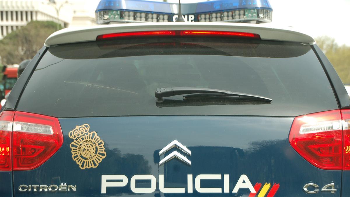 Imagen de archivo de una vehículo de la Policía Nacional.