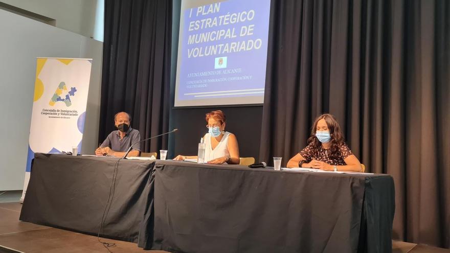El bipartito diseña un plan estratégico de voluntariado para Alicante hasta 2025