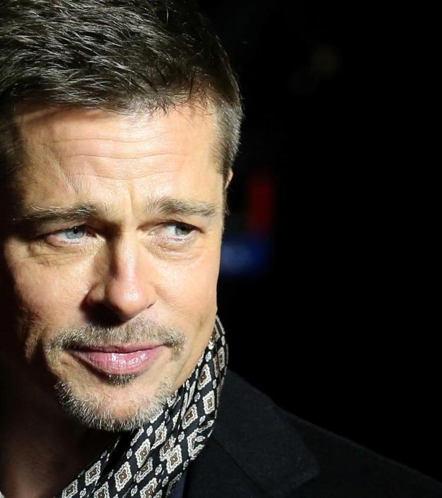 Brad Pitt vuelve a la soltería tras su corto romance con Nicole Poturalski