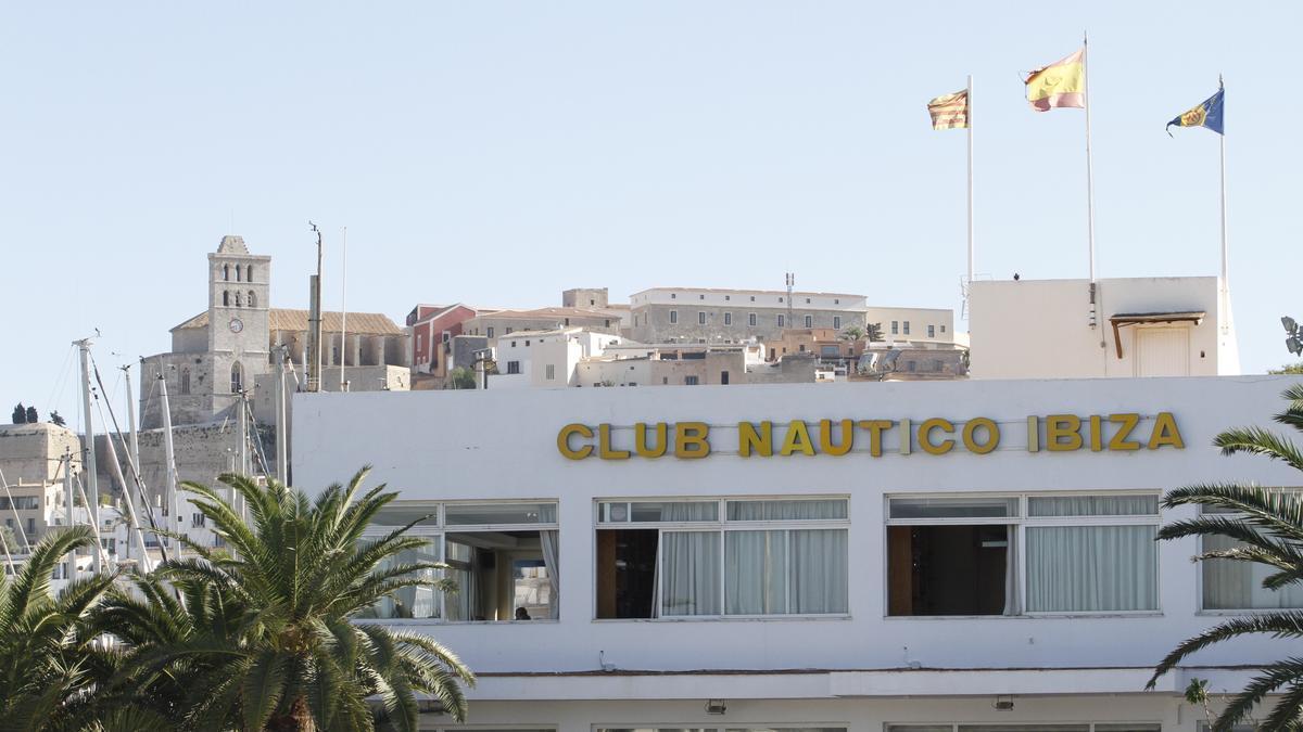 Detalle de la fachada del Club Náutico Ibiza. Vicent Marí