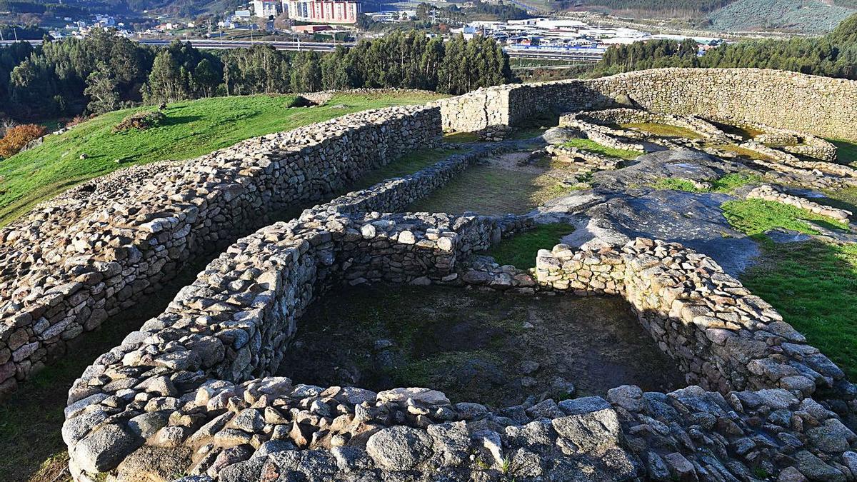 Restos arqueológicos del castro de Elviña.  | // VÍCTOR ECHAVE