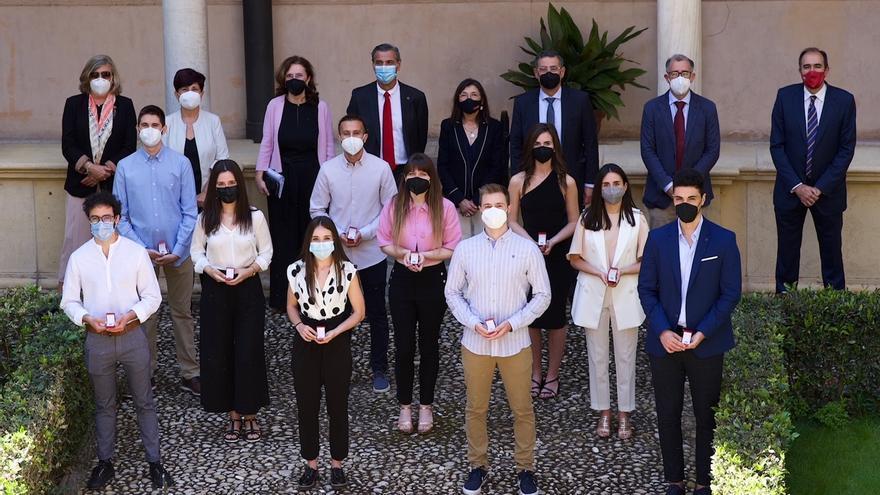 Aplauso de la UMU a quienes quedaron entre los mejores de España en los exámenes de especialidades sanitarias