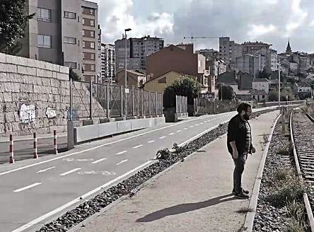 """""""Abierto en vena"""". El grupo Taburete realizó un nuevo videoclip de su tema donde Cíes y la Ría fueron protagonistas."""