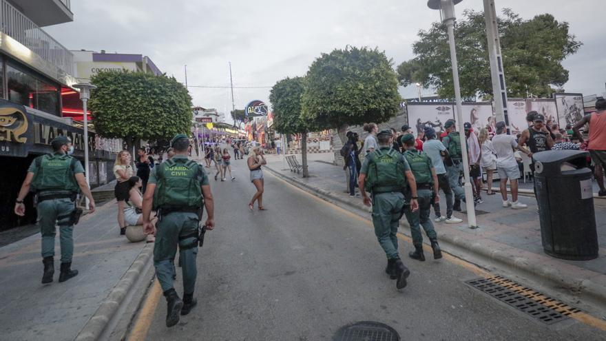 La Policía de Calvià atendió este fin de semana 107 incidentes nocturnos