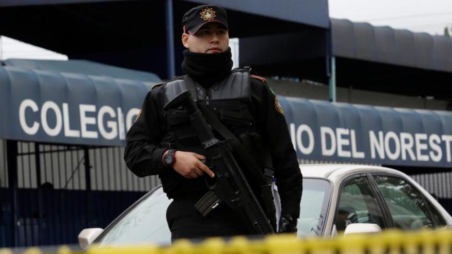 Un nen de 15 anys obre foc i deixa cinc ferits en un col·legi de Mèxic