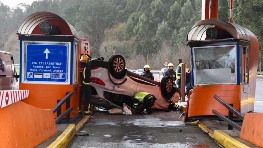 Un volantazo brusco provocó el accidente mortal en un peaje de A Coruña