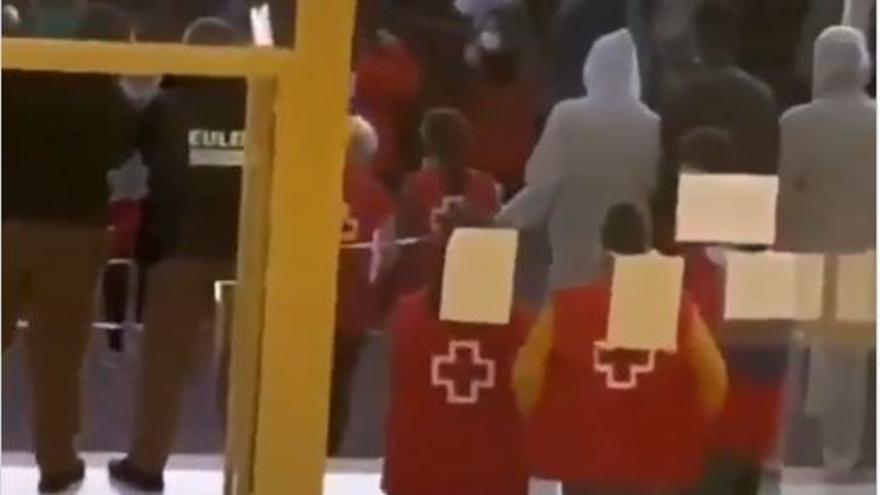 Cruz Roja abre expediente por la participación de voluntarios en una celebración en Canarias
