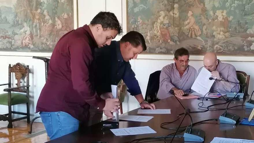 El Ayuntamiento de Toro suprime las asignaciones a los partidos y por concejales adscritos