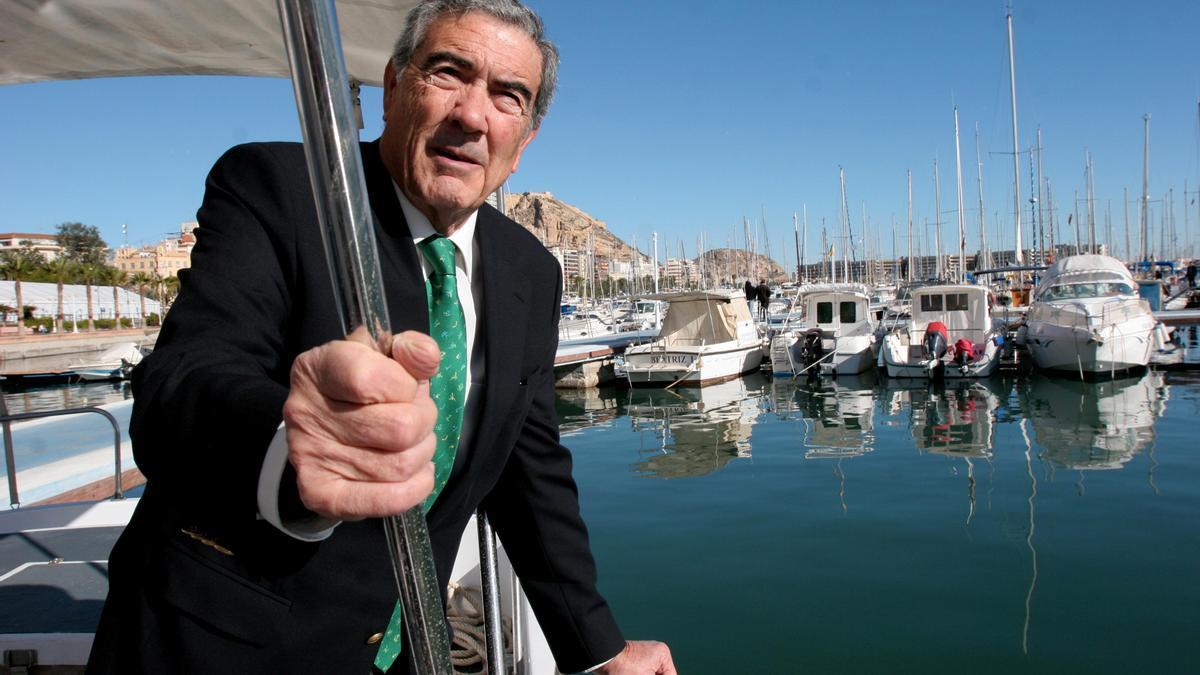 El expresidente del Club de Regatas de Alicante Máximo Caturla