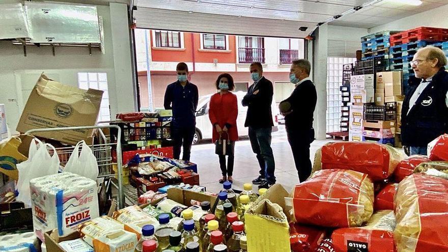 El PP dona 400 kilos de comida para personas sin recursos