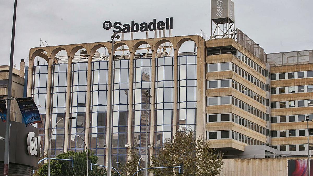 La sede social del Sabadell en la ciudad de Alicante.