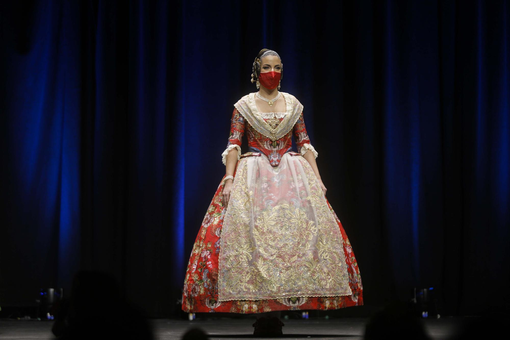 Segundo desfile de indumentaria tradicional Fallas Unesco (Tanda I)
