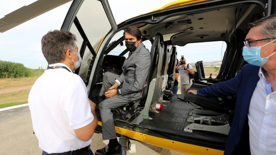 """La Junta incorpora un helicóptero de coordinación para """"aumentar la eficiencia"""" en la extinción de incendios"""