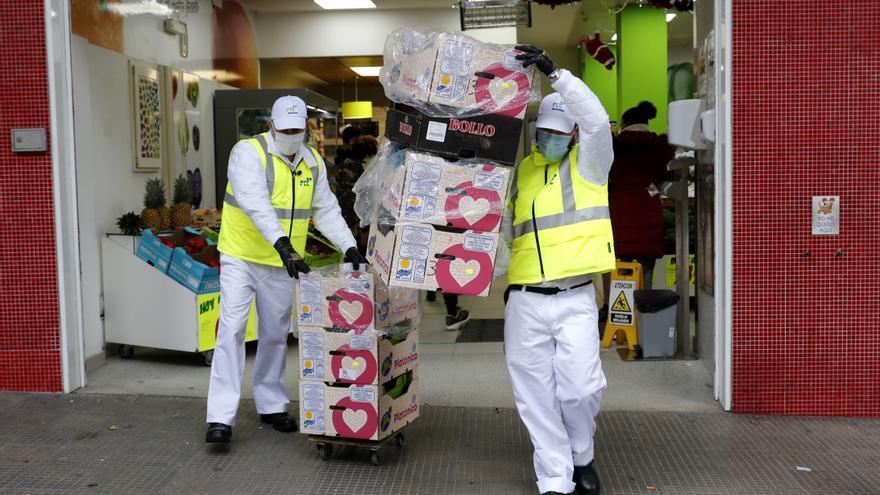 O servizo de recollida do Concello para froiterías evita o colapso dos contedores