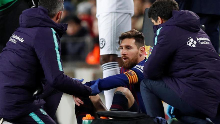Messi no s'entrena i Dembélé ja trepitja la gespa a 48 hores del clàssic
