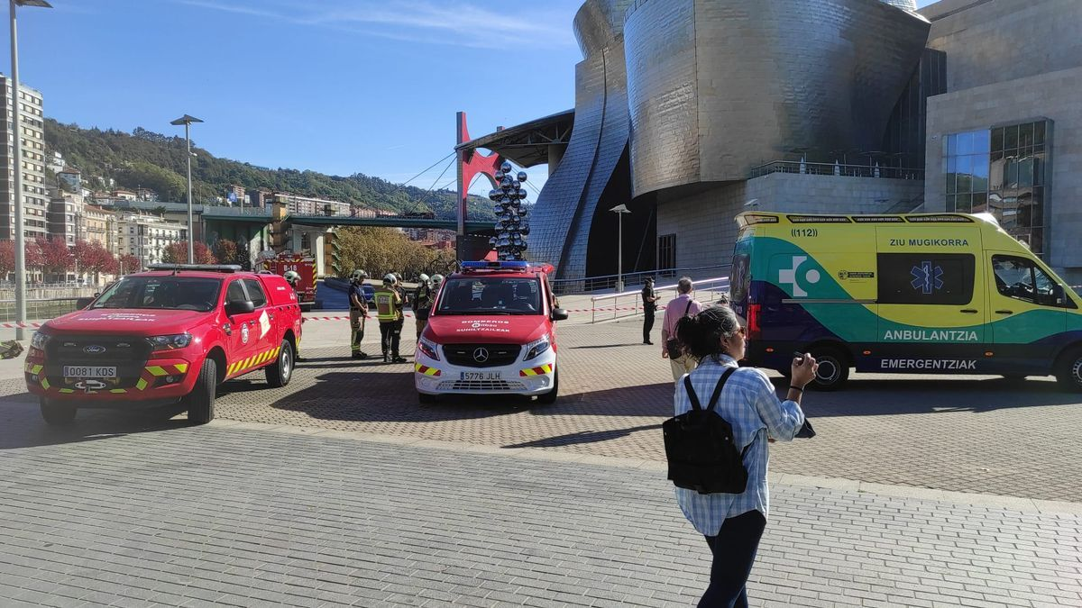 Desalojan el Museo Guggenheim de Bilbao y los alrededores por un paquete sospechoso