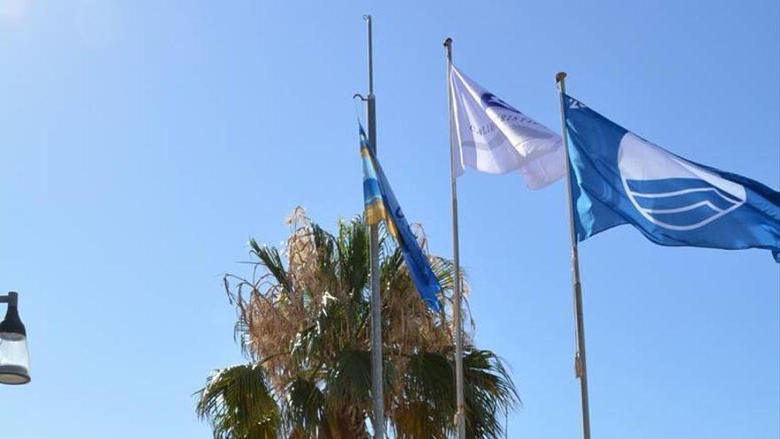 Banderas azules en la Región de Murcia: El Mar Menor se queda sin banderas azules