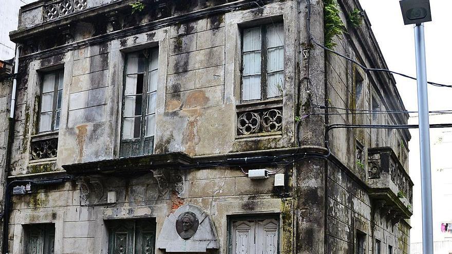 """El derribo de la antigua casa de Matilde Bares se aplaza, pero la venta es """"imposible"""""""