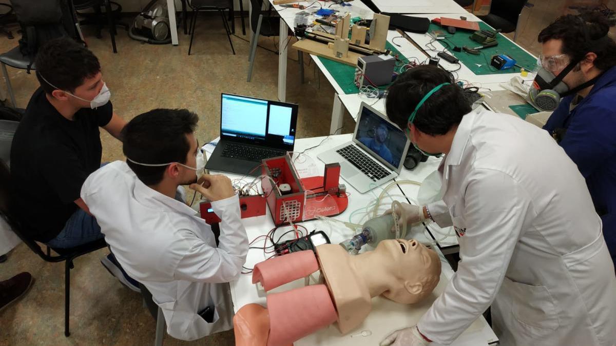 Los respiradores creados por la fundación de Javier García comienzan a llegar a los hospitales
