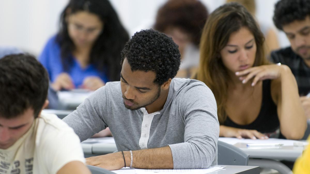 Educación abre el plazo para las ayudas al desplazamiento en Canarias